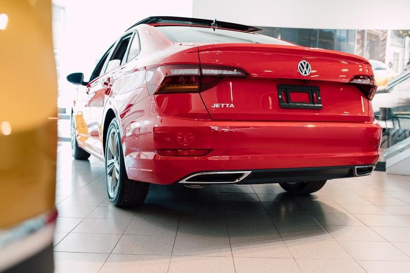 Car Dealership Volkswagen Downtown Toronto in Toronto (ON) | AutoDir