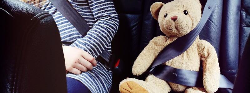 Top 10 des accessoires indispensables en voiture pour vos enfants